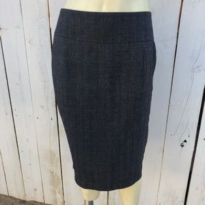 Mossimo stretch pencil skirt size 4